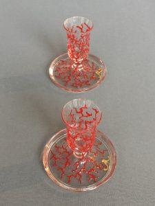 Kandelaars Rood Koraal Laag, gebrandschilderd glas, 9 x 8 cm, 2018